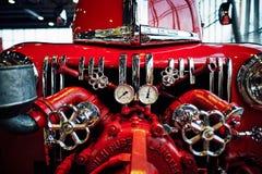 МОСКВА - 9-ОЕ МАРТА 2018: Пожарная машина 1947 Форда 798T на выставке Стоковые Изображения RF