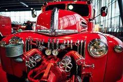 МОСКВА - 9-ОЕ МАРТА 2018: Пожарная машина 1947 Форда 798T на выставке Стоковая Фотография RF