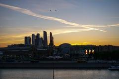 Москва, Россия - взгляд делового центра Москвы стоковые фотографии rf