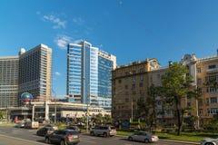 Москва, Россия -03 июнь 2016 Взгляд Novy Arbat, гостиницы Lotte и бульвара Novinsky Стоковое Фото