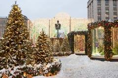 Москва, Россия, квадрат Manezhnaya зима захода солнца гор s вечера ural Стоковое Изображение