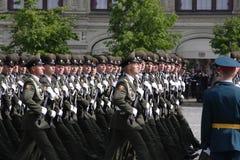 Москва, Россия - могут 09, 2008: торжество парада дня WWII победы на красной площади Торжественный проход воинского оборудования, Стоковая Фотография RF