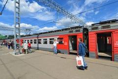 МОСКВА, РОССИЯ - 17 06 2015 Натренируйте большого русского Стоковые Фотографии RF