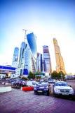 МОСКВА, РОССИЯ 8-ОЕ АВГУСТА 2014 Здания на новой Стоковые Фото