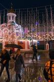 МОСКВА, РОССИЯ - 30-ОЕ АПРЕЛЯ 2018: Взгляд собора Казани на красной площади от улицы Nikolskaya стоковое изображение rf