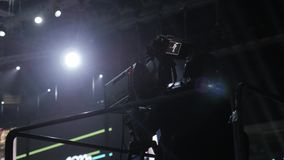 Москва, Россия, 4-ое апреля 2018 Стив Wozniak сооснователь компьютеров Эпл дает лекцию на нововведении и акции видеоматериалы