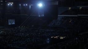 Москва, Россия, 4-ое апреля 2018 Стив Wozniak сооснователь компьютеров Эпл дает лекцию на нововведении и видеоматериал