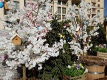 Москва, Россия - 14-ое апреля 2018 Украшать на квадрате Manege во время подарка пасхи фестиваля Стоковые Изображения