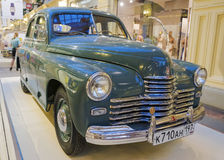 МОСКВА, РОССИЯ 11-ОЕ ИЮЛЯ: Выставка советских винтажных автомобилей в Стоковые Изображения RF