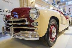 МОСКВА, РОССИЯ 11-ОЕ ИЮЛЯ: Выставка советских винтажных автомобилей в Стоковое Фото