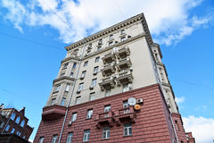 Москва, Россия - 14-ое марта 2016 Архитектура домов сталинист на кольце сада Стоковое Фото