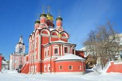 Москва, собор Znamensky в монастыре Znamensky на улице Varvarka в зиме Стоковое фото RF