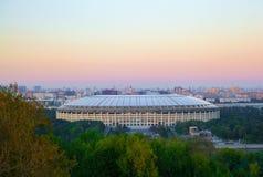 Москва, холмы воробья Vorobyovy окровавленные Комплекс Luzhniki воссоздания Стоковое Фото
