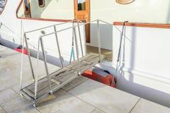Мостк спущенный к причалу Стоковая Фотография RF