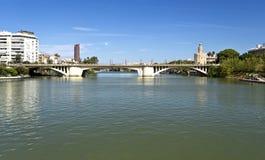 Мосты Севильи Гвадалквивира стоковые изображения rf