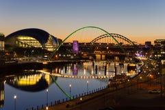 Мосты Tyne на сумерк Стоковое фото RF
