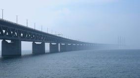 Мост Öresund между Копенгагеном и Malmö, Швецией, Европой сток-видео
