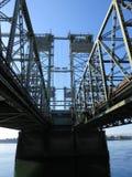 Мост автодорожного моста Портленда Ванкувера на Реке Колумбия стоковые изображения rf