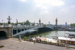 Мост Александра III над Рекой Сена, Парижем, Францией стоковое фото