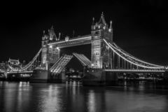Мост башни вверх стоковые изображения rf