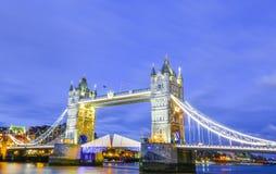 Мост башни в городе Лондона Англии Лондона Стоковое Фото