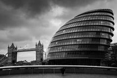Мост башни, здание муниципалитет, Лондон Стоковые Изображения RF