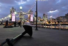 Мост башни и анкер в Лондоне стоковые фото