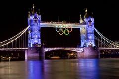 Мост башни и олимпийские кольца Стоковое Изображение