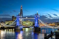 Мост башни и черепок, Лондон Стоковые Изображения RF