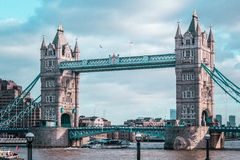 Мост башни Лондона, солнечная погода, Англия стоковое фото rf