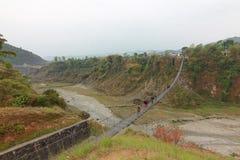 мост веревочки в pokhara Непале Стоковые Фото