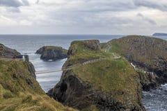 Мост веревочки Carrick-a-Rede в Северной Ирландии Стоковая Фотография RF