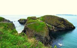 Мост веревочки Carrick-a-rede (Северная Ирландия) Стоковое Изображение RF
