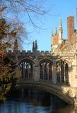 Мост вздохов, коллеж ` s St. John, Кембридж, Великобритания стоковое фото