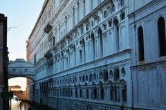 Мост вздохов, Vence, Италия, Европа Стоковые Изображения