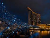 Мост винтовой линии на ноче Стоковые Изображения