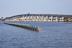 Мост внутренней дороги 404 в пляже Флориде какао Стоковые Фотографии RF