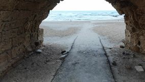 Мост-водовод на пляже в Caesarea акции видеоматериалы