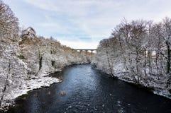 Мост-водовод Pontcysyllte около Llangollen в Уэльсе с снегом Стоковое фото RF