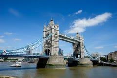 Мост в лете, Лондон башни, Англия Стоковое Фото