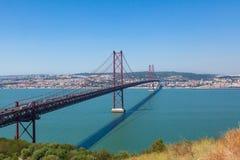 Мост в Лиссабоне, Ponto 25 de abril em Лиссабоне Стоковая Фотография
