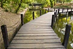 Мост в парке Стоковые Фото