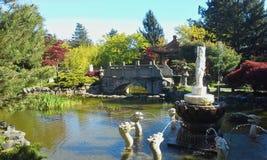 Мост в саде Стоковые Фотографии RF
