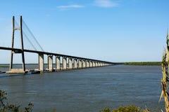 Мост в Rosario, Аргентине стоковое изображение