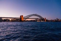 Мост гавани Сиднея на сумраке Стоковое фото RF