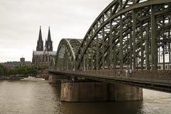 Мост Германия Hohenzollern Стоковые Фотографии RF
