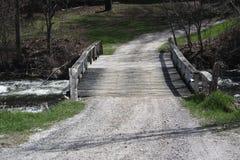 Мост, деревянный излишек поток Стоковые Фото