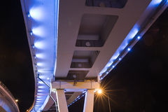 Мост загоренный на ноче Стоковые Фото
