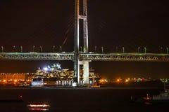 Мост залива Иокогама и тысячелетие знаменитости стоковые фото