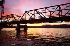 Мост захода солнца Стоковые Фотографии RF